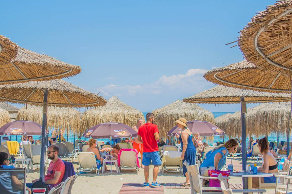 Halara Beach Bar is located on the beach of Panteleimon below the Castle of Platamonas
